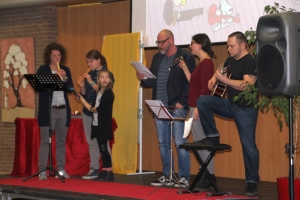 20171222 Weihnachts Assembly 029